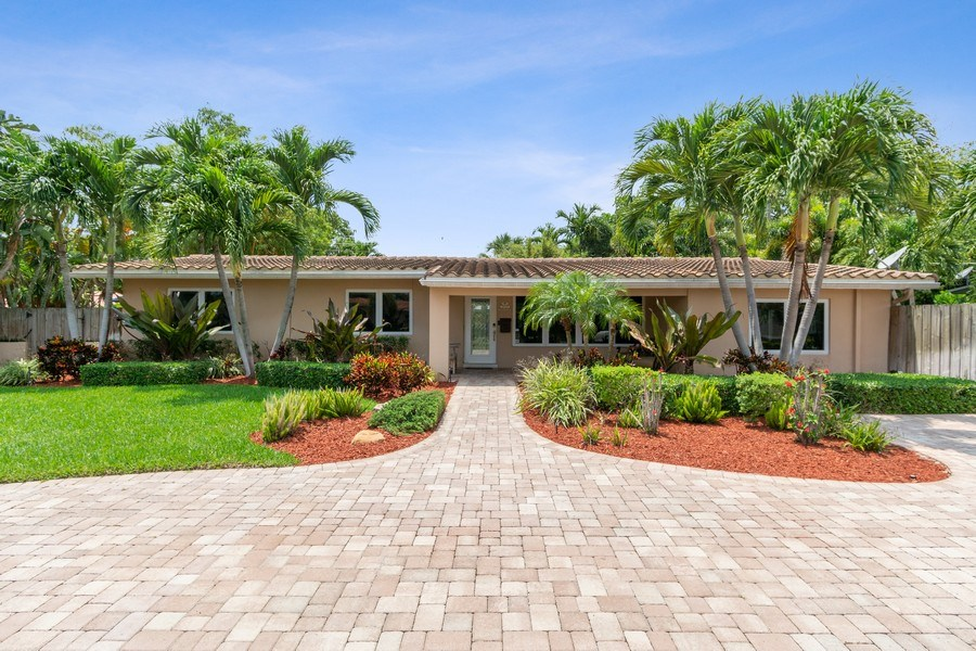 Real Estate Photography - 2617 NE 26th Ave, Fort Lauderdale, FL, 33306 - Front View
