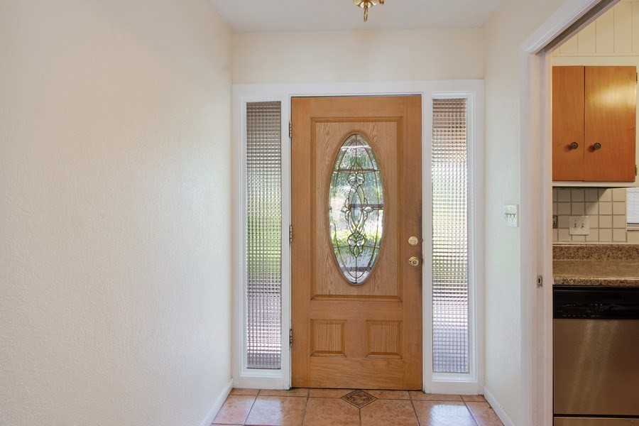 Real Estate Photography - 4146 Indianapolis Street NE, St Petersburg, FL, 33703 - 7' x 6' FOYER ENTRY!