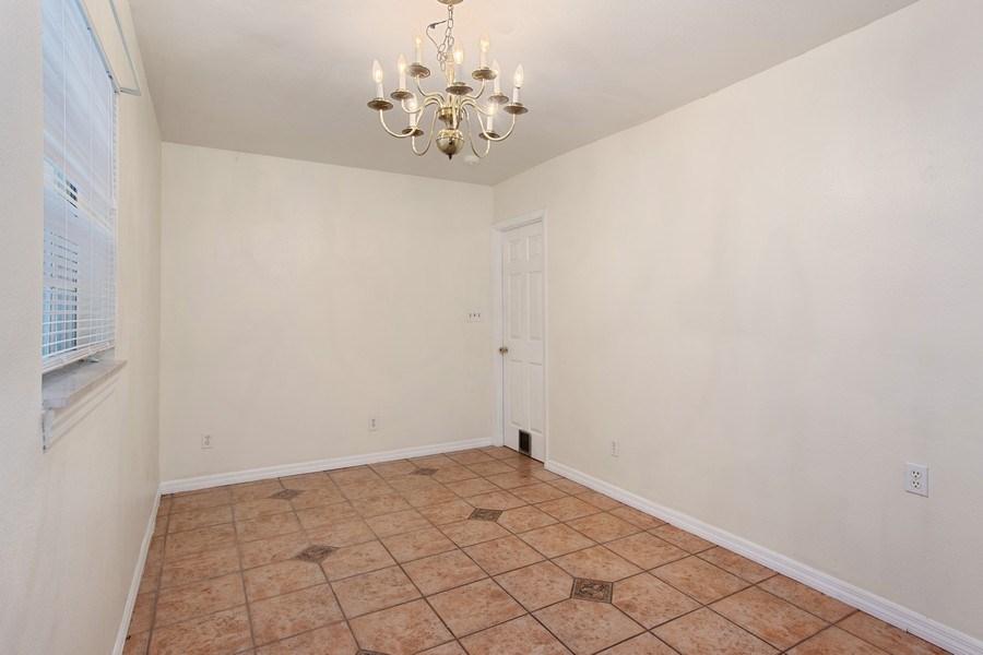 Real Estate Photography - 4146 Indianapolis Street NE, St Petersburg, FL, 33703 - Large BREAKFAST NOOK!