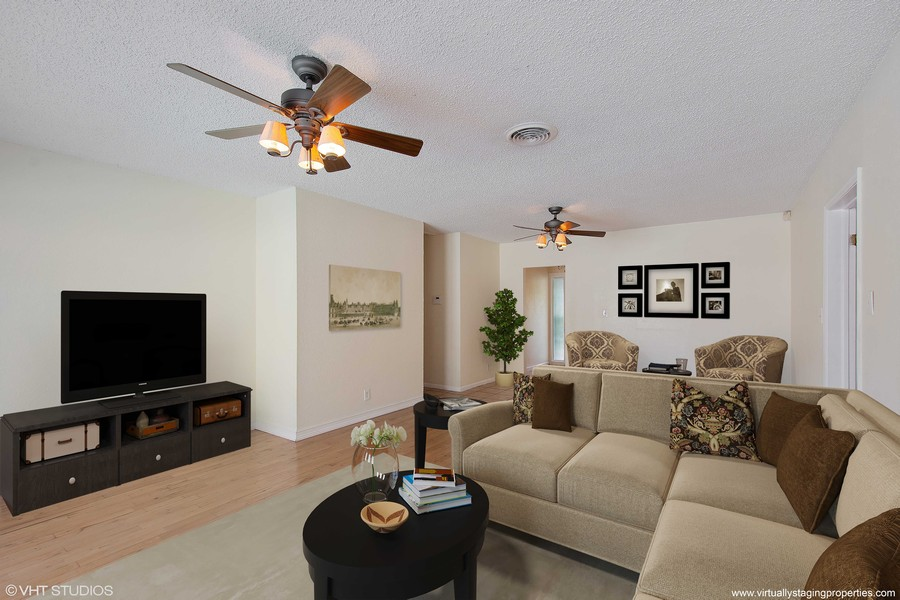 Real Estate Photography - 4146 Indianapolis Street NE, St Petersburg, FL, 33703 - GRAND 22 'x 14' Living Room!