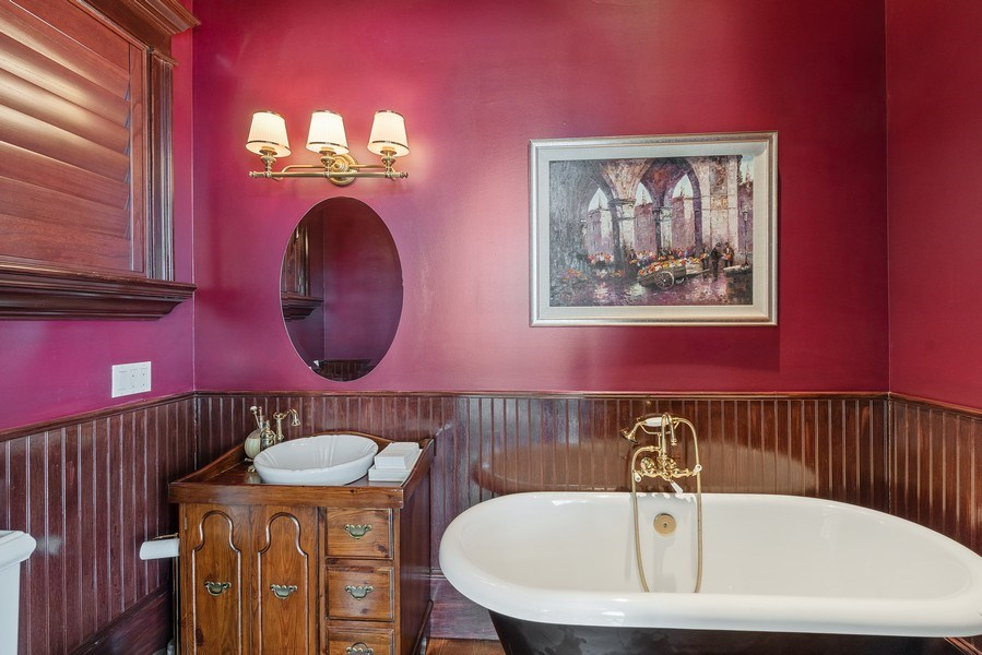 Real Estate Photography - 42 Minnehaha Circle, Maitland, FL, 32751 - Bathroom