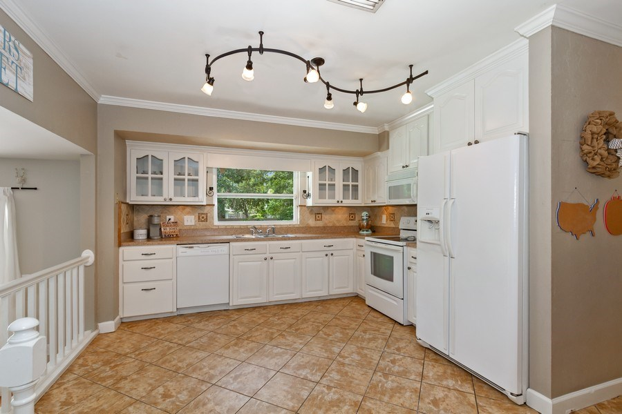 Real Estate Photography - 12703 Rainforest Street, Temple Terrace, FL, 33617 - Kitchen