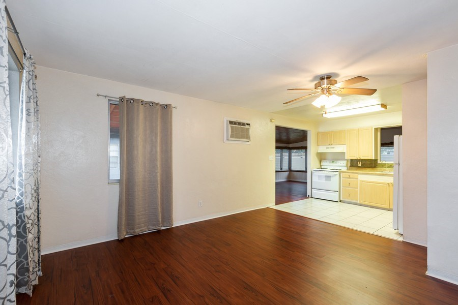 Real Estate Photography - 1400 54 Ave N, St Petersburg, FL, 33703 - Kitchen / Living Room