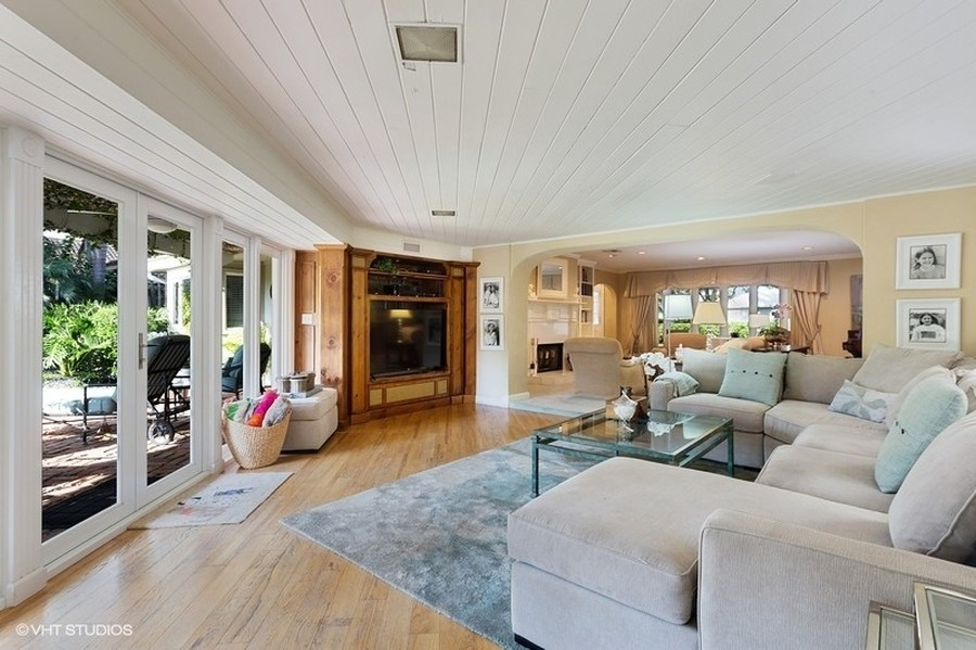 Real Estate Photography - 10 Saranac Road, Sea Ranch Lakes, FL, 33308 - Family Room