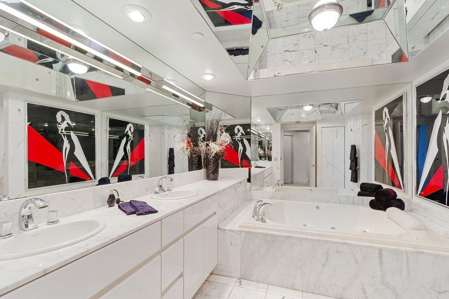 Real Estate Photography - 3000 Island Blvd, Apt 1702, Aventura, FL, 33160 - Master Bathroom