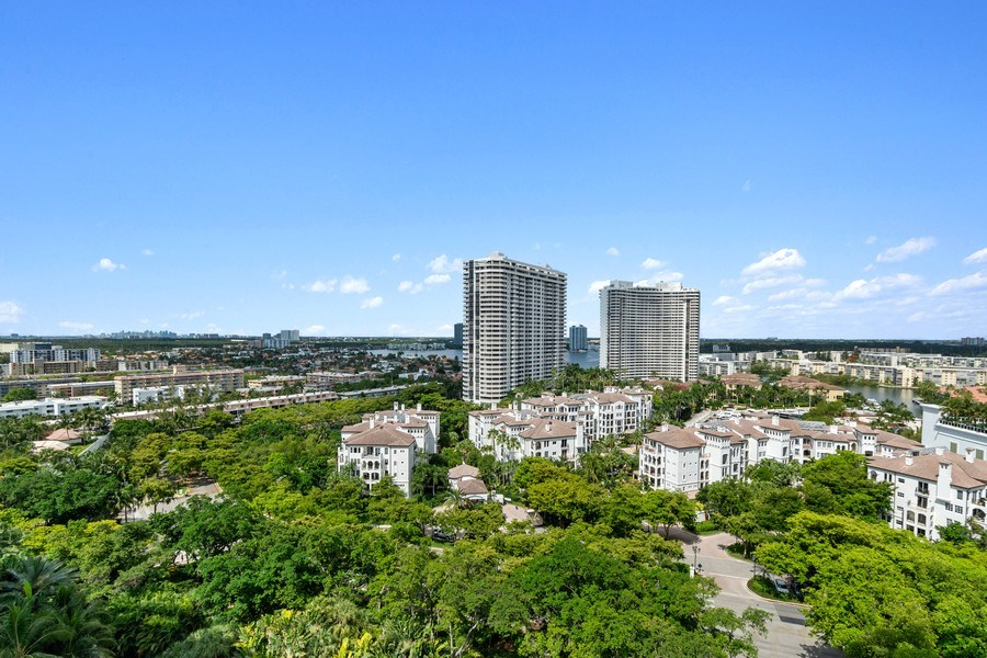 Real Estate Photography - 3000 Island Blvd, Apt 1702, Aventura, FL, 33160 - View