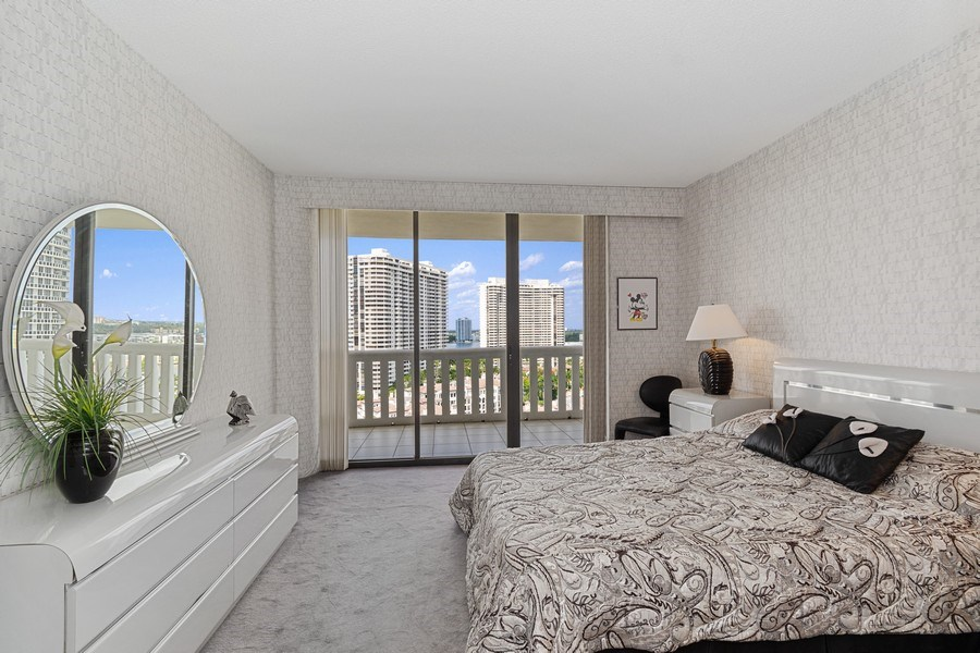 Real Estate Photography - 3000 Island Blvd, Apt 1702, Aventura, FL, 33160 - Bedroom