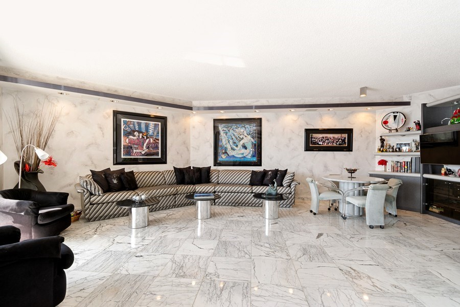 Real Estate Photography - 3000 Island Blvd, Apt 1702, Aventura, FL, 33160 - Family Room