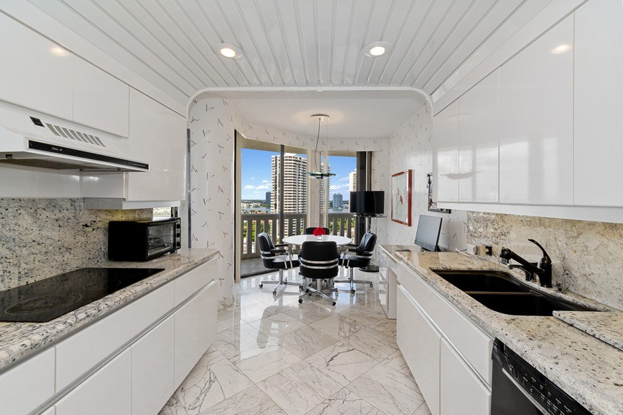 Real Estate Photography - 3000 Island Blvd, Apt 1702, Aventura, FL, 33160 - Kitchen