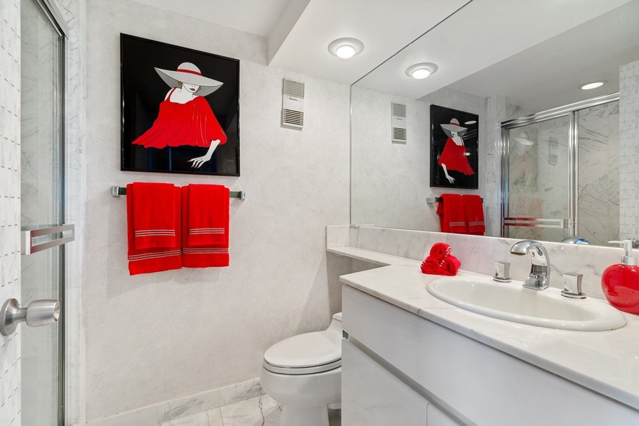 Real Estate Photography - 3000 Island Blvd, Apt 1702, Aventura, FL, 33160 - Bathroom