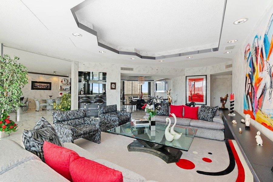 Real Estate Photography - 3000 Island Blvd, Apt 1702, Aventura, FL, 33160 - Living Room / Dining Room