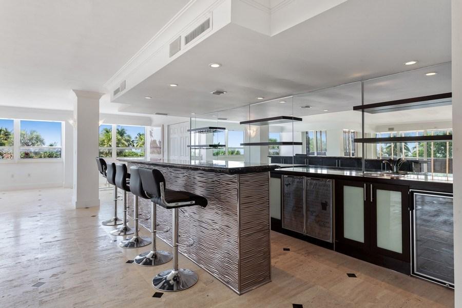 Real Estate Photography - 2 GROVE ISLE DR. #B201-02, MIAMI, FL, 33133 - Bar