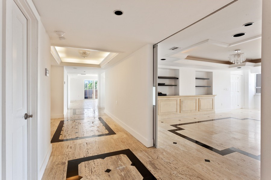 Real Estate Photography - 2 GROVE ISLE DR. #B201-02, MIAMI, FL, 33133 - Entryway