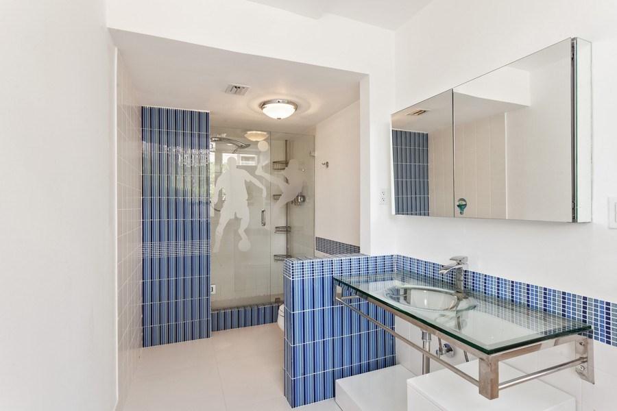 Real Estate Photography - 2 GROVE ISLE DR. #B201-02, MIAMI, FL, 33133 - 2nd Bathroom