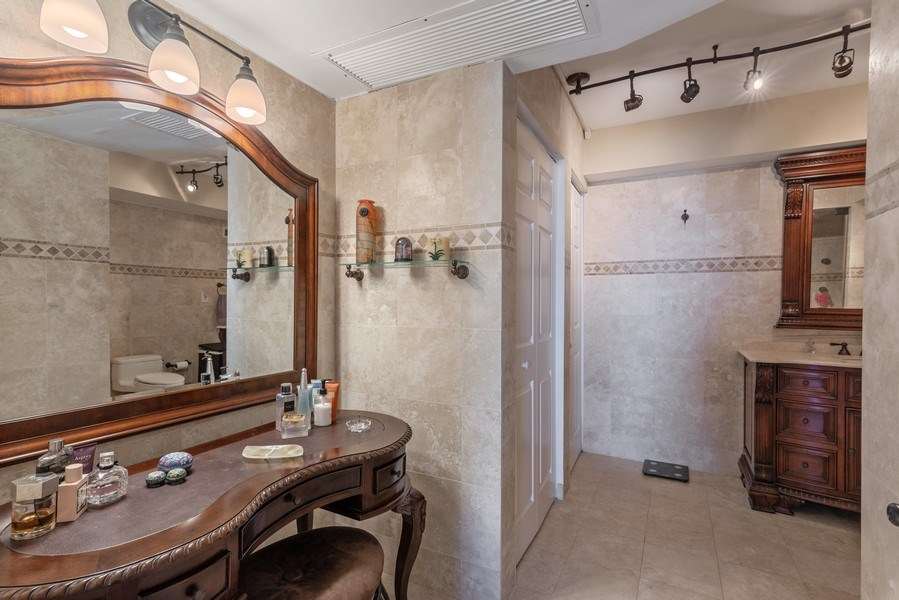 Real Estate Photography - 5555 Collins Ave, 10J, Miami Beach, FL, 33140 - Master Bathroom