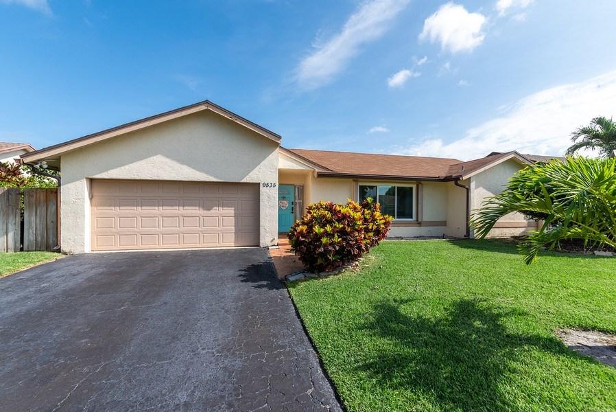 Real Estate Photography - 9535 Ohio Pl, Boca Raton, FL, 33434 - Front View