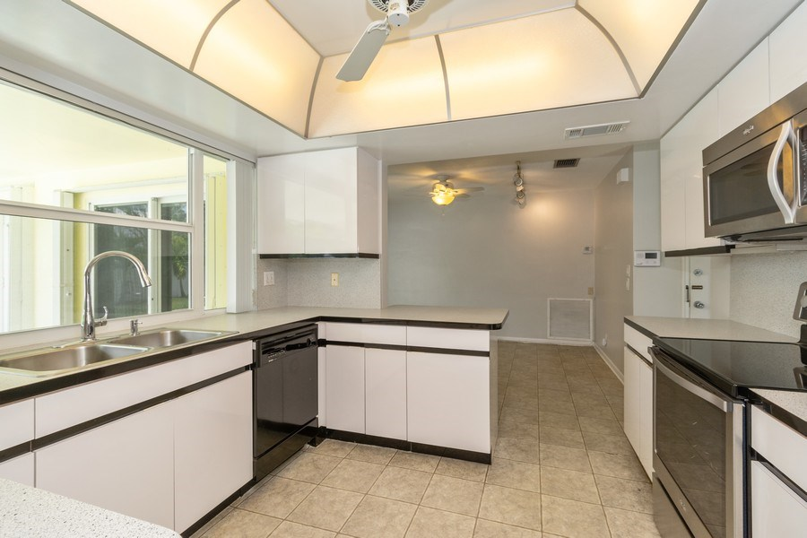 Real Estate Photography - 2150 NE 65th Ct, Fort Lauderdale, FL, 33308 - Kitchen