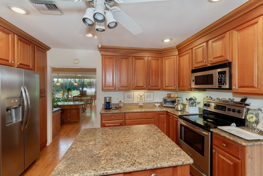 Real Estate Photography - 1301 AZALEA LANE, MAITLAND, FL, 32751 - Kitchen