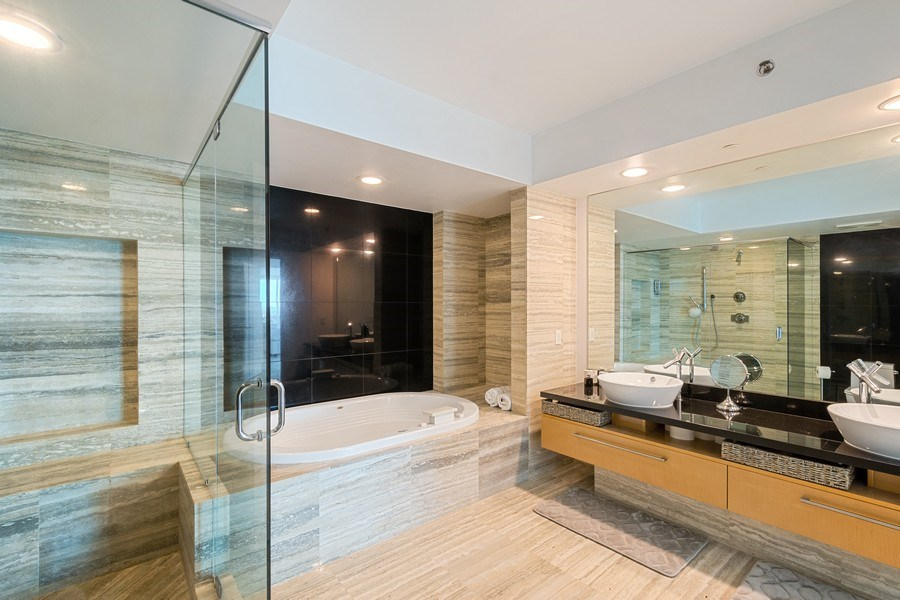 Real Estate Photography - 101 S. Fort Lauderdale Beach Blvd, APARTMENT 2107, FORT LAUDERDALE, FL, 33316 - Master Bathroom