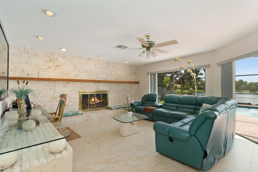 Real Estate Photography - 1430 NW 99th Ave, Plantation,, FL, 33322 - Family Room