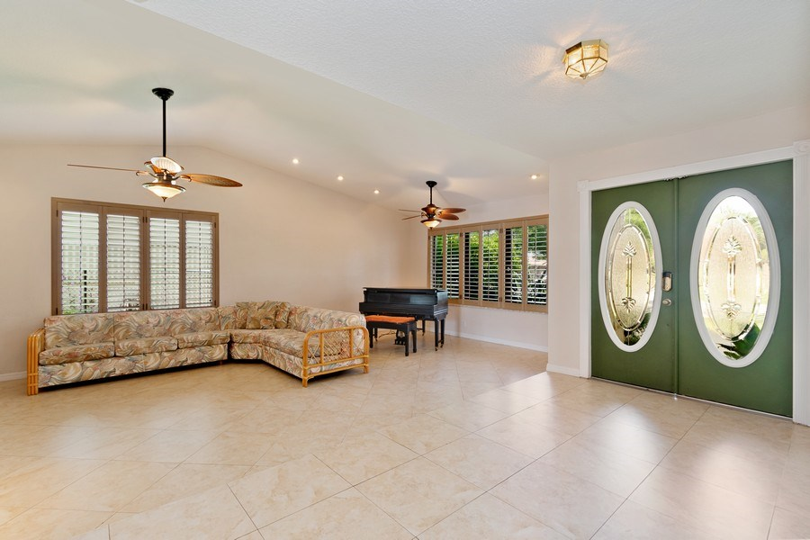 Real Estate Photography - 1430 NW 99th Ave, Plantation,, FL, 33322 - Foyer