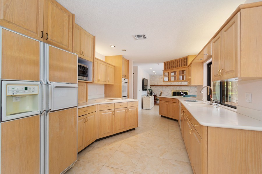 Real Estate Photography - 1430 NW 99th Ave, Plantation,, FL, 33322 - Kitchen
