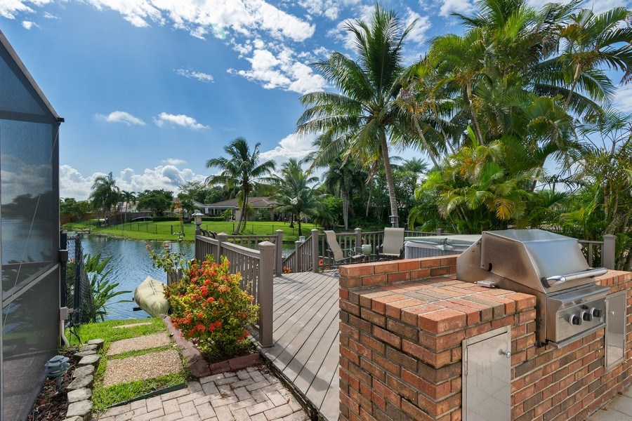 Real Estate Photography - 1430 NW 99th Ave, Plantation,, FL, 33322 - Patio