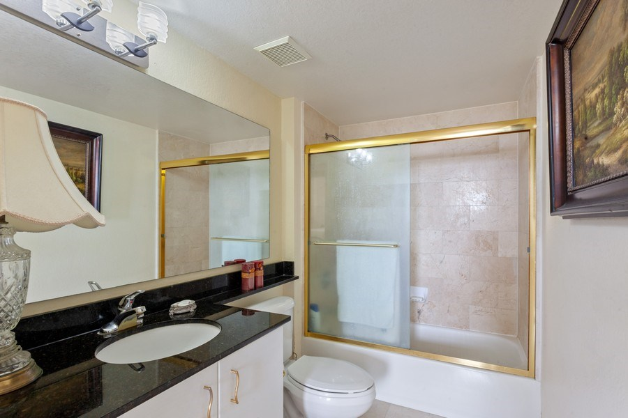 Real Estate Photography - 1625 Kennedy Causeway, Apt.1001E, North Bay Village, FL, 33141 - Bathroom