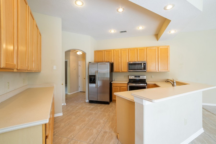 Real Estate Photography - 1187 Falling Pine, Winter Springs, FL, 32708 - Kitchen