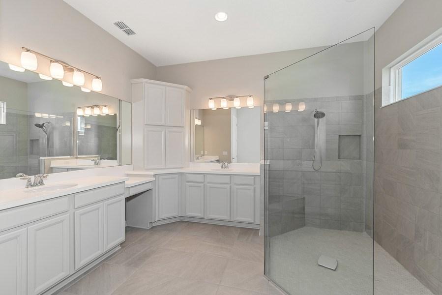Real Estate Photography - 13647 Killefew Way, Winter Garden, FL, 34787 - Master Bathroom