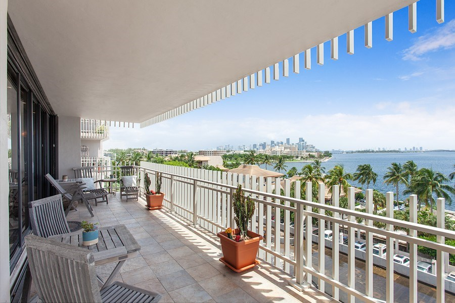Real Estate Photography - 3 Grove Isle Dr. #C601, Miami, FL, 33133 - #45