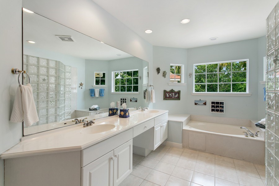 Real Estate Photography - 735 Charlestown Circle, Palm Beach Gardens, FL, 33410 - Master Bathroom