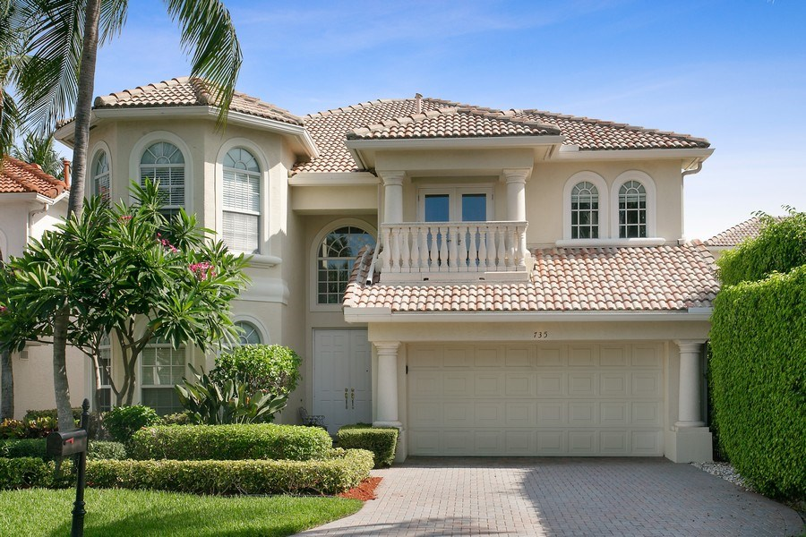 Real Estate Photography - 735 Charlestown Circle, Palm Beach Gardens, FL, 33410 - Front View