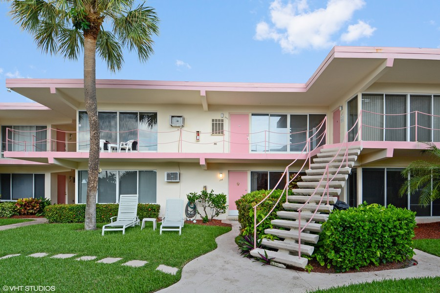 Real Estate Photography - 2825 NE 33rd Ave, Unit 103, Fort Lauderdale, FL, 33308 -