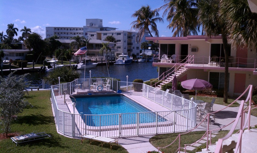 Real Estate Photography - 2825 NE 33rd Ave, Unit 103, Fort Lauderdale, FL, 33308 - Pool/Intracoastal