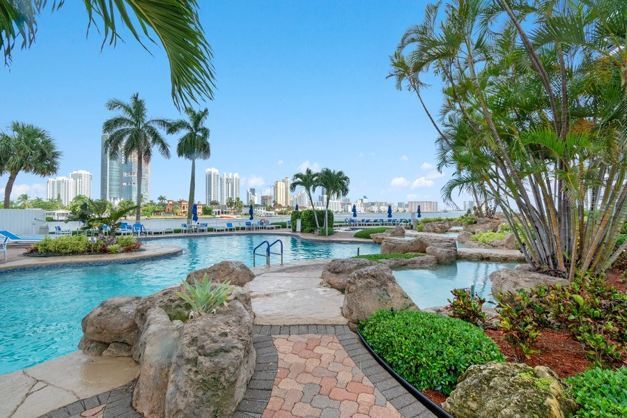 Real Estate Photography - 19195 Mystic Pointe Dr, Apt 2202, Aventura, FL, 33180 - Pool