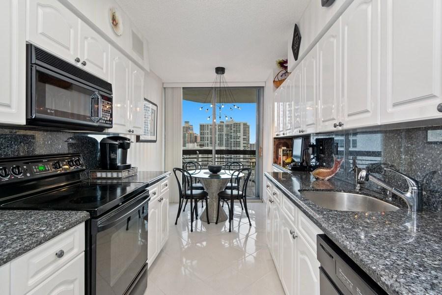 Real Estate Photography - 19195 Mystic Pointe Dr, Apt 2202, Aventura, FL, 33180 - Kitchen