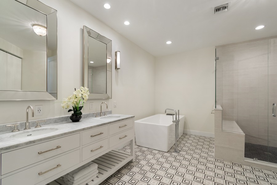 Real Estate Photography - 316 Bontona Ave., Fort Lauderdale, FL, 33301 - Master Bathroom