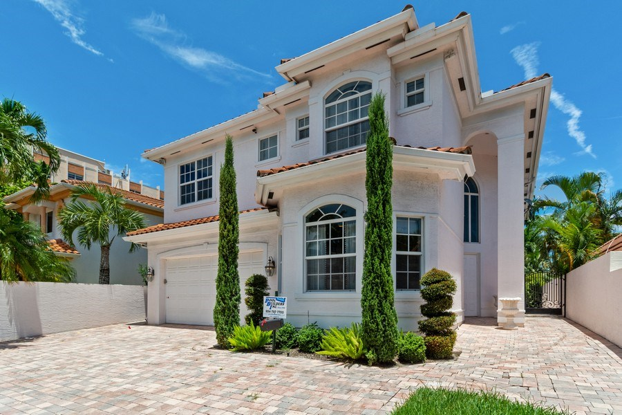 Real Estate Photography - 316 Bontona Ave., Fort Lauderdale, FL, 33301 - Front View