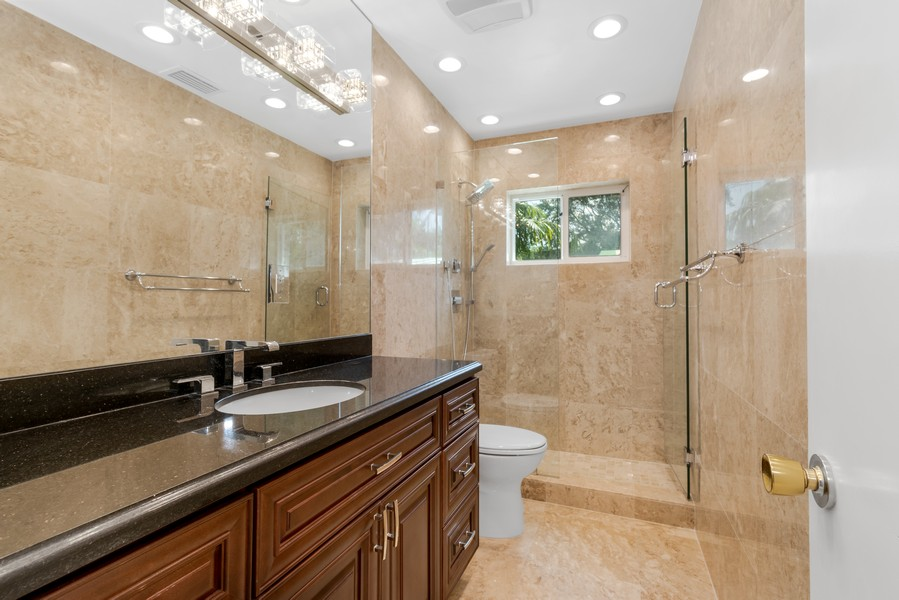 Real Estate Photography - 2789 NE 37th Dr, Fort Lauderdale, FL, 33308 - 3rd Bathroom
