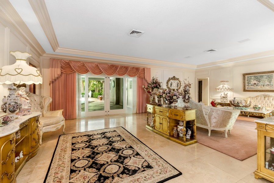 Real Estate Photography - 2789 NE 37th Dr, Fort Lauderdale, FL, 33308 - Living Room