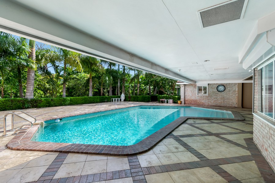 Real Estate Photography - 2789 NE 37th Dr, Fort Lauderdale, FL, 33308 - Pool