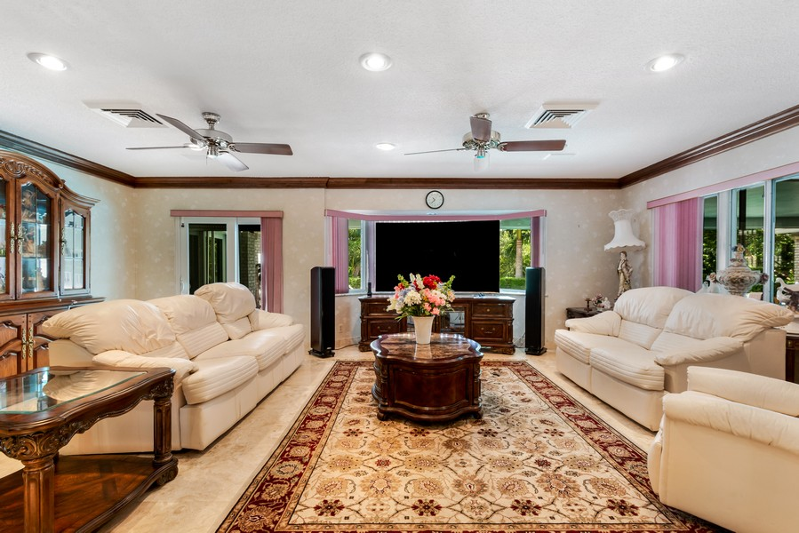 Real Estate Photography - 2789 NE 37th Dr, Fort Lauderdale, FL, 33308 - Family Room
