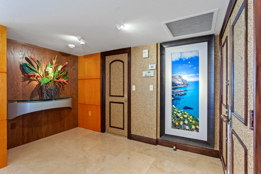 Real Estate Photography - 3 Grove Isle Dr. #C1703, Miami, FL, 33133 - Entryway
