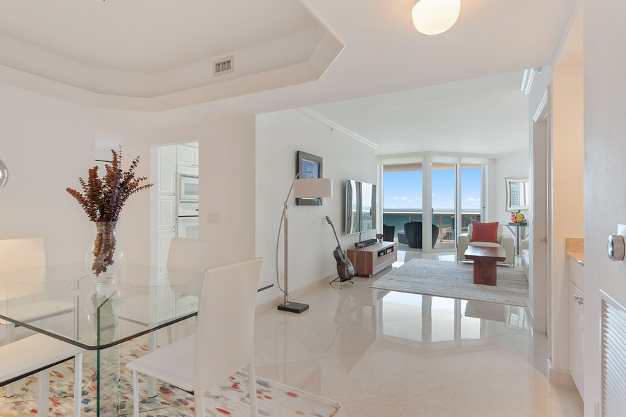 Real Estate Photography - 4775 Collins Ave., Unit 3804, Miami Beach, FL, 33140 - Entryway