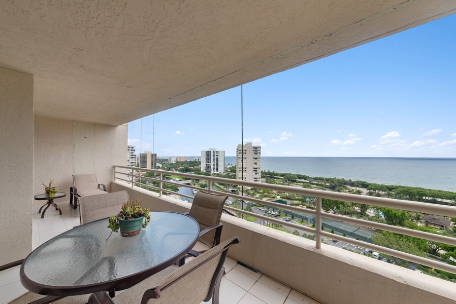 Real Estate Photography - 4101 N Ocean, Unit 1508, Boca Raton, FL, 33431 - Patio
