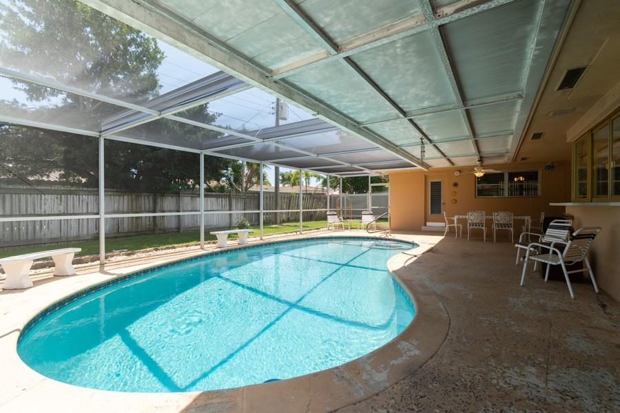Real Estate Photography - 5870 NE 21 Ln, Fort Lauderdale, FL, 33308 - Pool