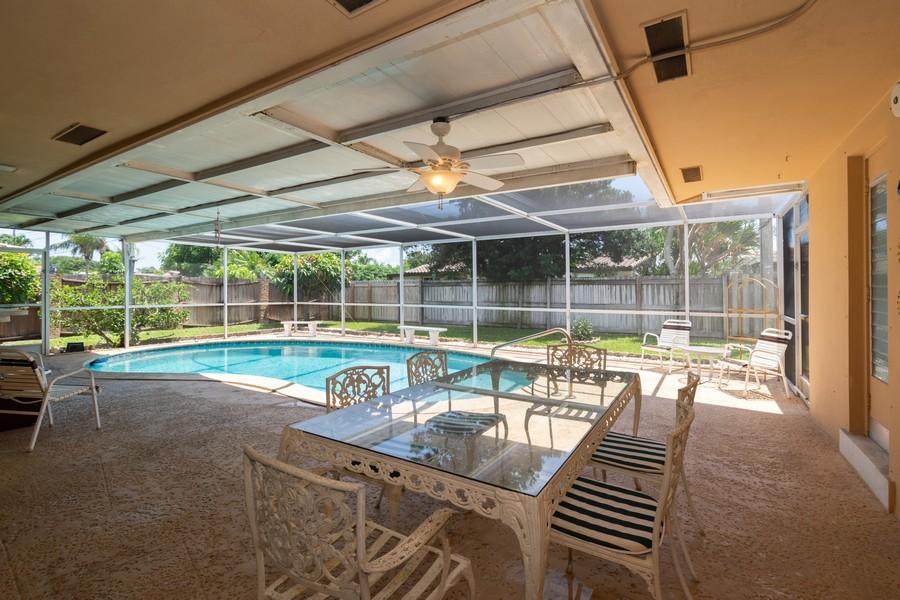 Real Estate Photography - 5870 NE 21 Ln, Fort Lauderdale, FL, 33308 - Patio