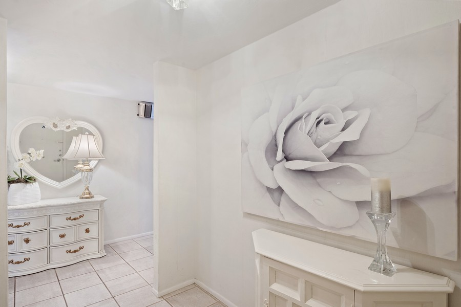 Real Estate Photography - 3750 GALT OCEAN DRIVE UNIT 407, FORT LAUDERDALE, FL, 33304 - Foyer