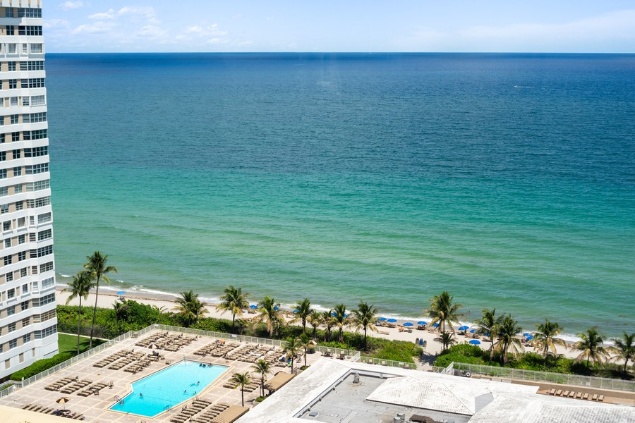 Real Estate Photography - 1980 S Ocean Dr, Unit 20P, Hallandale, FL, 33009 -